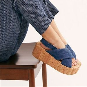 💕Free People Noelle Cork Platform Blue Sandals